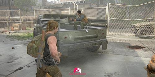 Montez dans la jeep